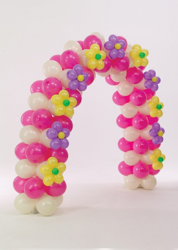 Pretty Balloon Arch with Flower