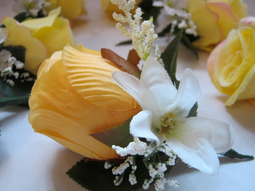 Men's Boutonniere- Yellow Rose