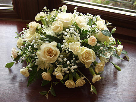 All White Roses Carnation Amp Baby S Breath Sympathy
