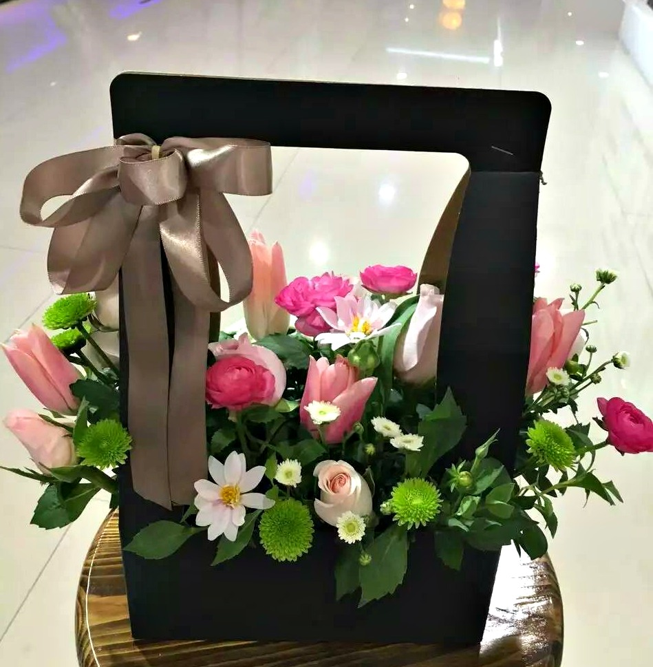 Florist Choice Flower Box Flowerandballooncompany Com