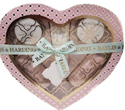 Heart Shaped 5 piece gift set